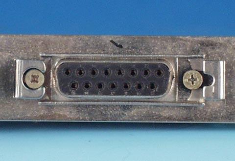機器に搭載されているイーサネットケーブル(AUI)用コネクタ