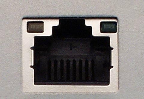 機器に搭載されているイーサネットケーブル(ツイストペア)用コネクタ