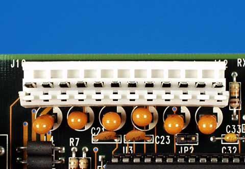 マザーボードに搭載されているATマザーボード用電源コネクタ