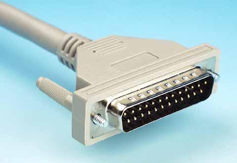 ケーブルに付いているD-Sub 25ピンコネクタ(SCSI用)