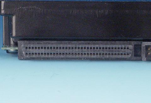 機器に搭載されているフラットケーブル(Wide)