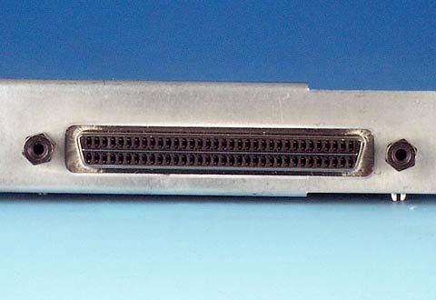 機器に搭載されているSCSI標準ハーフピッチコネクタ(Wide)
