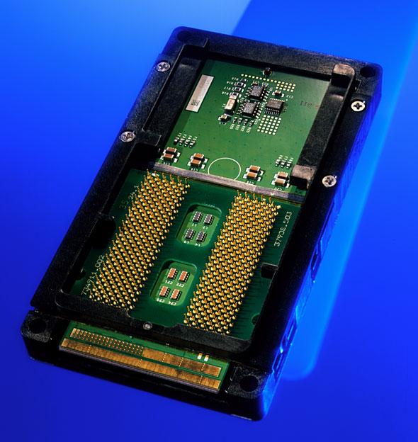 Itaniumプロセッサのパッケージ写真