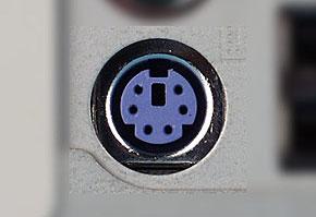 PS/2キーボードコネクタ