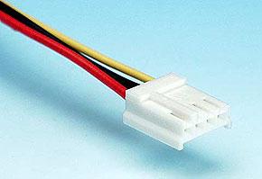 ケーブルに付いているフロッピードライブ用電源コネクタ
