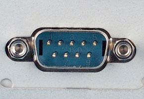 シリアルポート(9ピン)の機器側コネクタ
