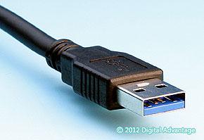 USB 3.0(スタンダードA)のケーブル側コネクタ