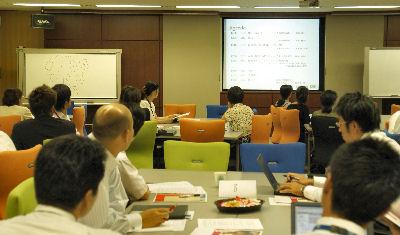日本ヒューレット・パッカードの社内向けイベント「産休・育休に関する説明会・交流会」会場の様子