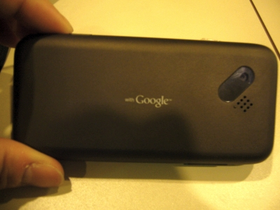 Android端末「T-Mobile G1」裏にはGoogleのロゴが