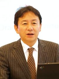 岩田健一氏