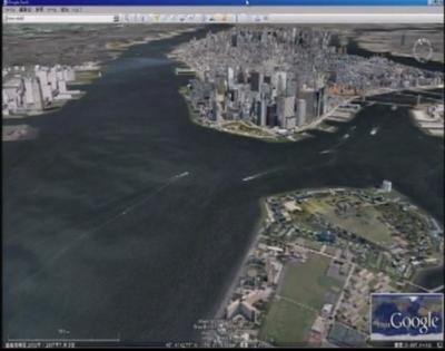 スクリーンにはGoogle Earthの画面が表示される。1人称視点で気分も疲労度もまさに鳥人間コンテスト