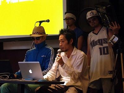 左から阿部淳也さん、鈴木拓生さん、後ろのティム&マッキーさん(どっちがどっちなのかは不明)