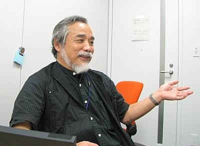 竹内郁雄氏「Rubyは文法規則の量が多いが、文法は複雑にしても、もともと気ままな人間に合わせて自然な言葉に近づけるよう文法が工夫されている。そこが、Rubyのプログラマに受けがいい理由」
