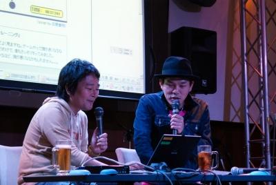 司会を務めた林雄司さん(左)とシンスケ横山さん(右)。2人ともカルチャーカルチャーのイベントには慣れているのでリラックスムード