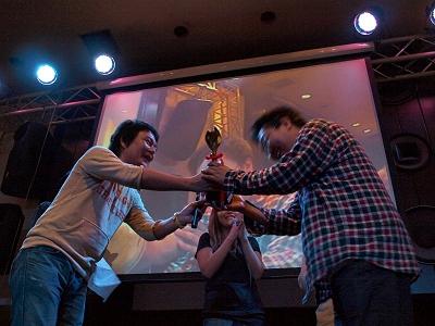 見事優勝に輝いたのはチームラボの山本さん。「この喜びを誰に伝えたいですか?」の質問には「自分!」