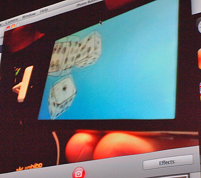 複数のサイコロが3D的に動くiPhoneアプリのデモ