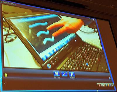 2本の指で線を引くWPF 4アプリのデモ