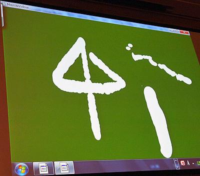 接触面積を取得して、ディスプレイにタッチする指の接触具合によって線の太さが変わるデモ