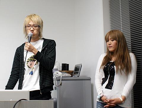 サイバーエージェントの渡辺梓さん(右)と浦野大輔さん(左)。普段はWebデザインや開発に携わる
