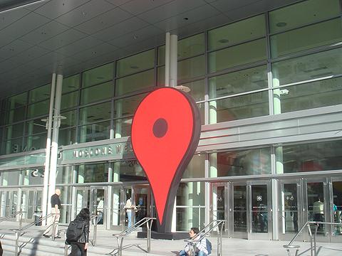 図1 会場Moscone Center(モスコーンセンター)の入り口