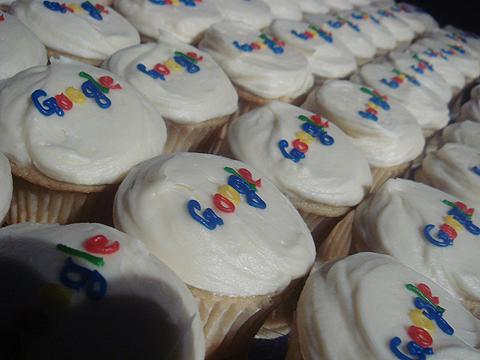 図3 パーティ会場で振る舞われたカップケーキ
