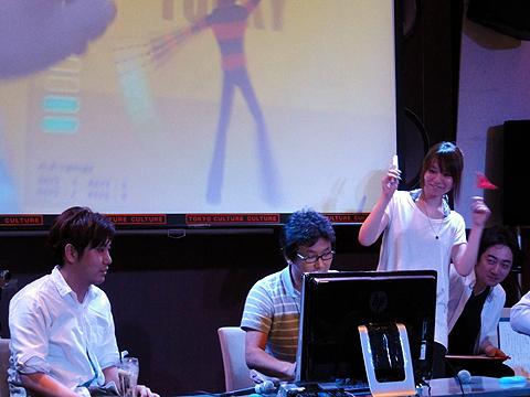 審査員の松村さんも挑戦。かなりダメダメに思えたが、結果は見事にCLEAR!。判定は、かなりゆるそうな感じ