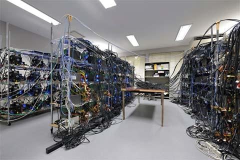 東京大学と国立天文台が共同開発したスーパーコンピュータ「GRAPE-DR」(ニュースリリースより)