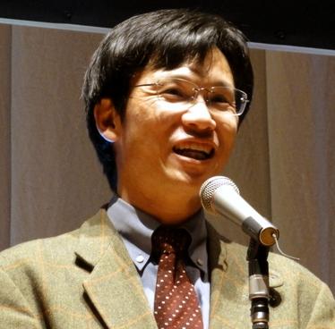 最優秀賞に対する喜びを語るEmiriパパこと上田哲郎さん