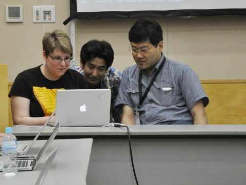 RubyKaigi2010 Pair Programming Cultural Exchangeにて。撮影:Lee Lundrigan氏