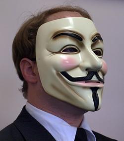 Guy Fawkes(ガイ・フォークス)のマスクがトレードマーク