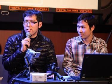 開発した太原充啓氏(左)とその友人でプレゼンの助っ人として参加した峯島達幸氏(右)