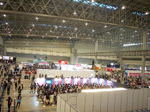 「ニコニコ超会議」の会場風景。来場者は2日で9万人を越えた。