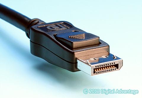 ケーブルに付いているDisplayPortコネクタ