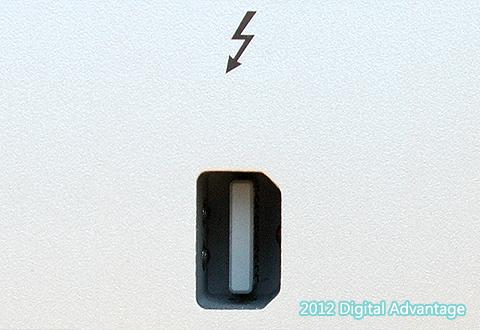 機器に搭載されているThunderbolt兼Mini DisplayPortのコネクタ