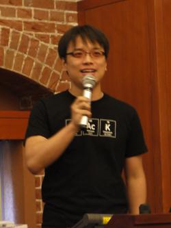 「シリコンバレーと世界のPerlエンジニア」と題して講演した川崎有亮氏