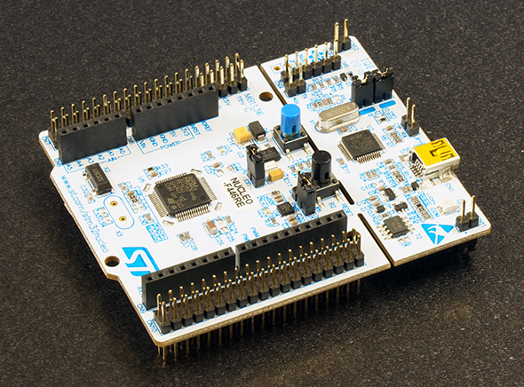STMのmbedボード「STM32F446RE」
