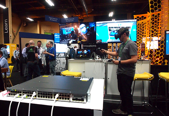 AR/VR技術を組み合わせた「EVAR」のデモ