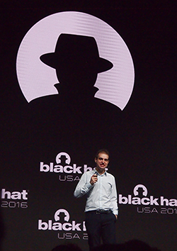 Black Hat Briefingsの基調講演には、ダン・カミンスキー氏が登場した