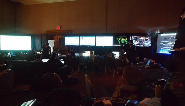 Black Hat BriefingsのNOC(Network Operation Center)では、複数のオープンソースのツールとセキュリティベンダーの製品を組み合わせ、セキュリティを監視した