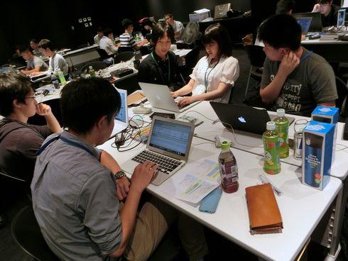 セキュリティ・キャンプのOBやOGがチューターとなり、陰から参加者をサポートする