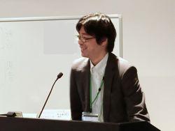 率直な語り口とユーモアで難解な法律を分かりやすくひもとく弁護士の吉井和明氏