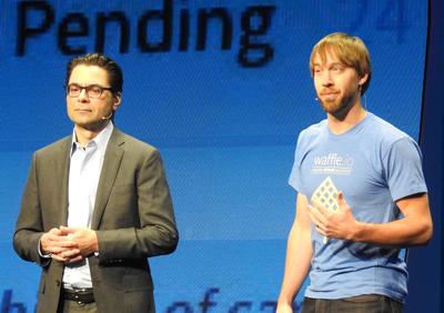 基調講演に登壇した「Waffle.io」 ファウンダーのAndrew Homeyer氏(写真右)