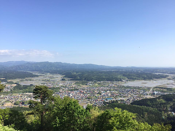 町のシンボル「森山」から望む五城目町