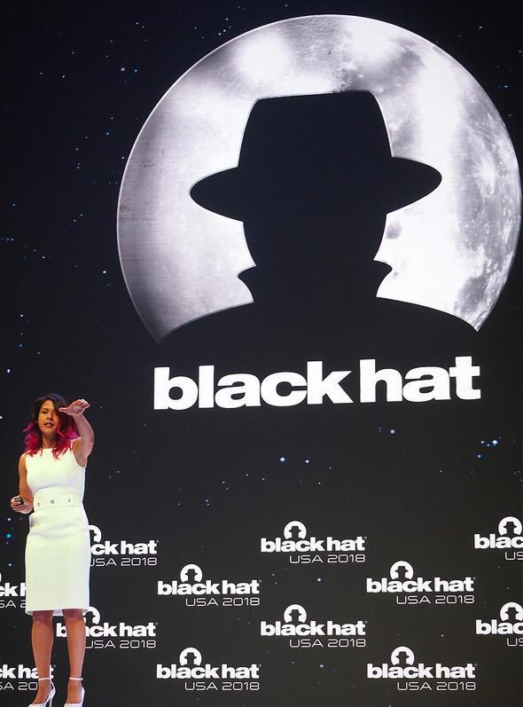 Black Hat 2018の基調講演に登場したParisa Tabriz氏は、プロジェクト・ゼロの経験を踏まえ、「根本的な問題に取り組もう」と呼び掛けた