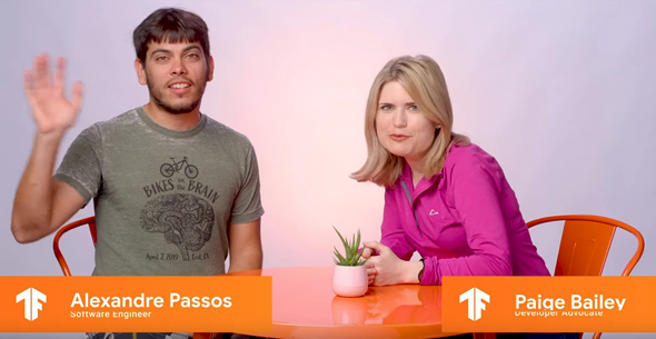 図1 グーグルTensorFlowチームのSoftware EngineerであるAlexandre Passos氏(左)と、同チームのDevelopr AdovocateであるPaige Bailey氏(右)