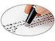 """ボールペンを""""ゴシゴシ消す""""——摩擦熱で透明になる特殊インク採用"""