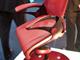 ロボット技術で「母に抱かれるような」椅子 OKIと岡村製作所が発表