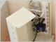 「電源コード収納ボックス」に省スペースのタテ置きタイプ