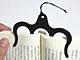 薄型で持ち運びに最適、本のページを開いたまま固定するグッズ