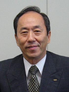 KDDI au九州支社長の東尾重信氏
